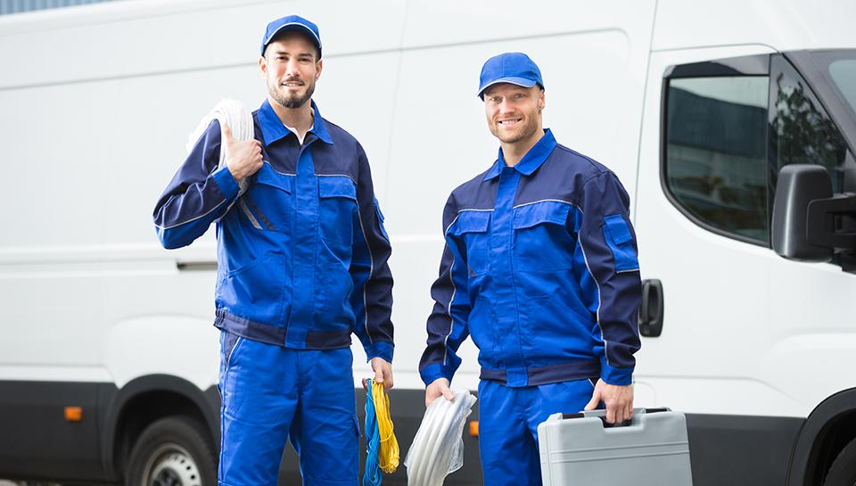 hommes service techniciens camion